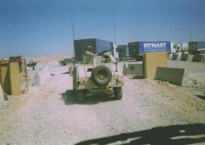 Iraq US army guards 2